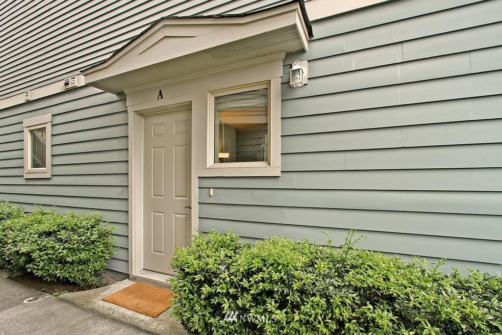 Sold Property | 103 23rd Avenue #A Seattle, WA 98122 2