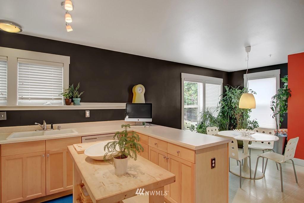 Sold Property | 103 23rd Avenue #A Seattle, WA 98122 6