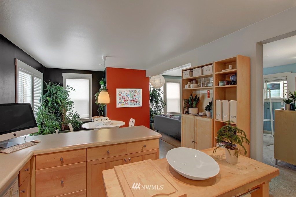 Sold Property | 103 23rd Avenue #A Seattle, WA 98122 8