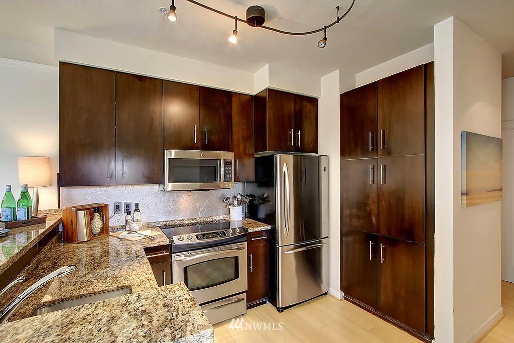 Sold Property | 1026 NE 65th #517 Seattle, WA 98115 2