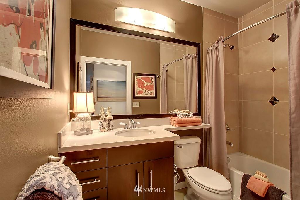Sold Property | 1026 NE 65th #517 Seattle, WA 98115 6