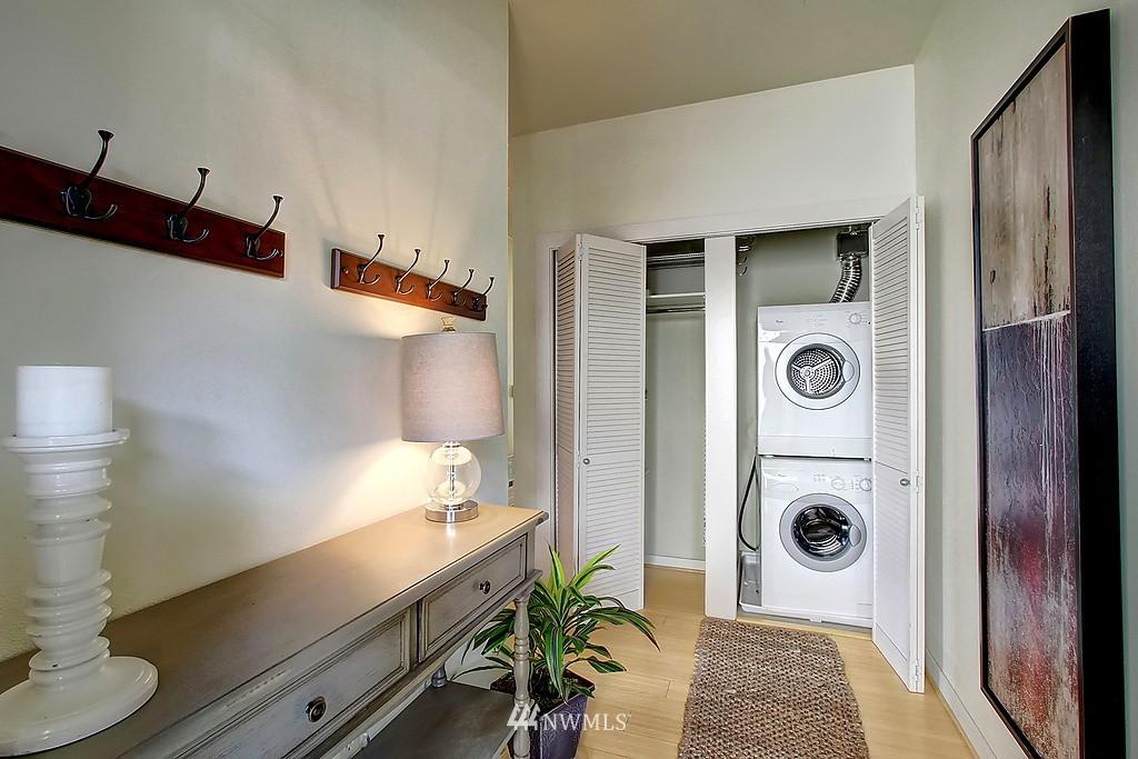 Sold Property | 1026 NE 65th #517 Seattle, WA 98115 7