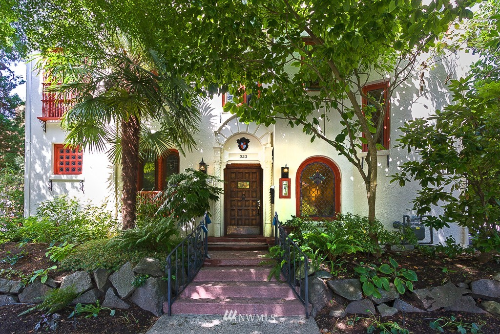 Sold Property | 323 16th Avenue E #304 Seattle, WA 98112 0