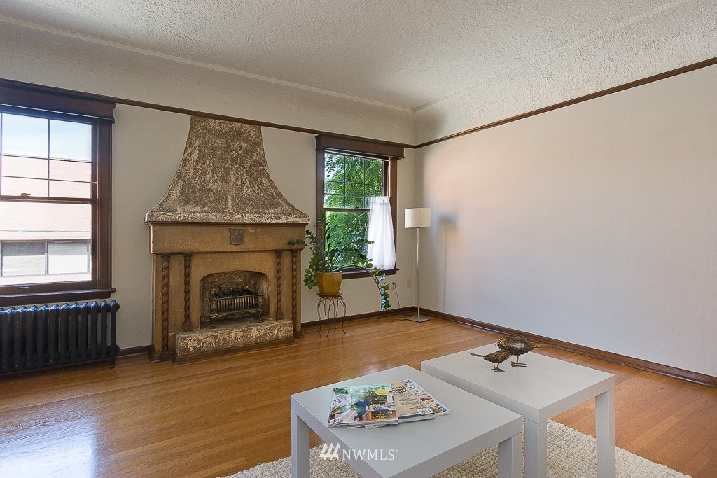 Sold Property | 323 16th Avenue E #304 Seattle, WA 98112 3