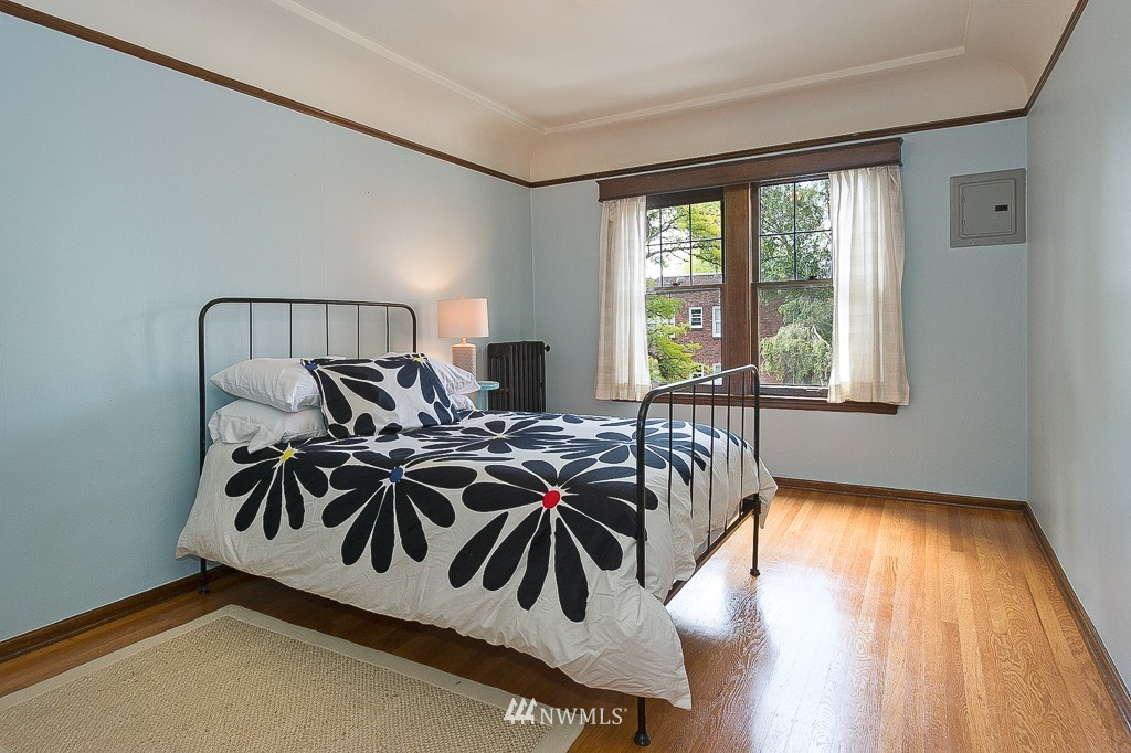 Sold Property | 323 16th Avenue E #304 Seattle, WA 98112 6
