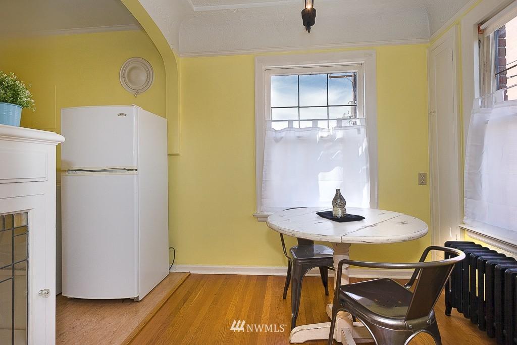 Sold Property | 323 16th Avenue E #304 Seattle, WA 98112 9