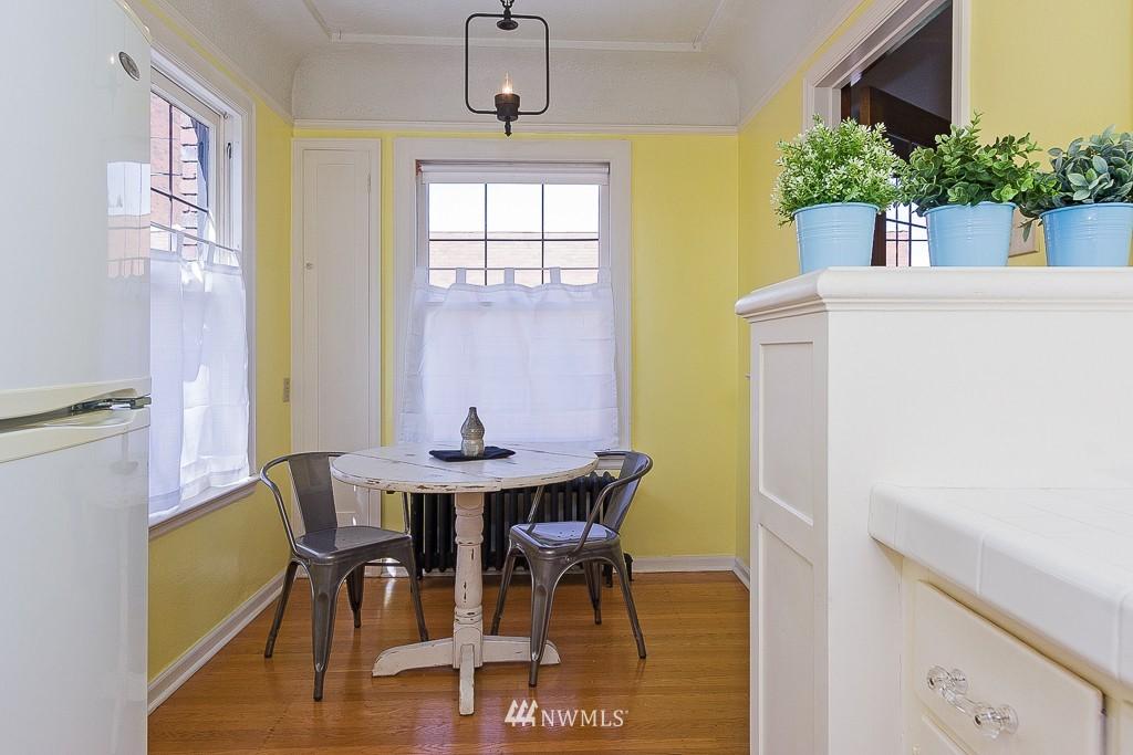 Sold Property | 323 16th Avenue E #304 Seattle, WA 98112 10