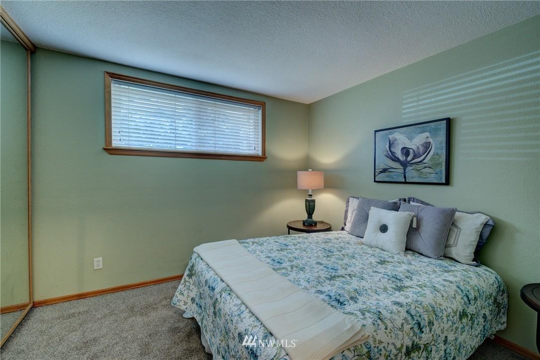 Sold Property | 5844 NE 75th Street #A102 Seattle, WA 98115 6