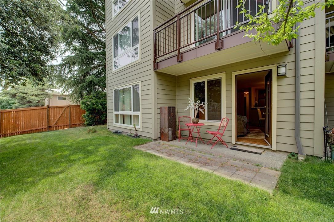 Sold Property | 5844 NE 75th Street #A102 Seattle, WA 98115 10