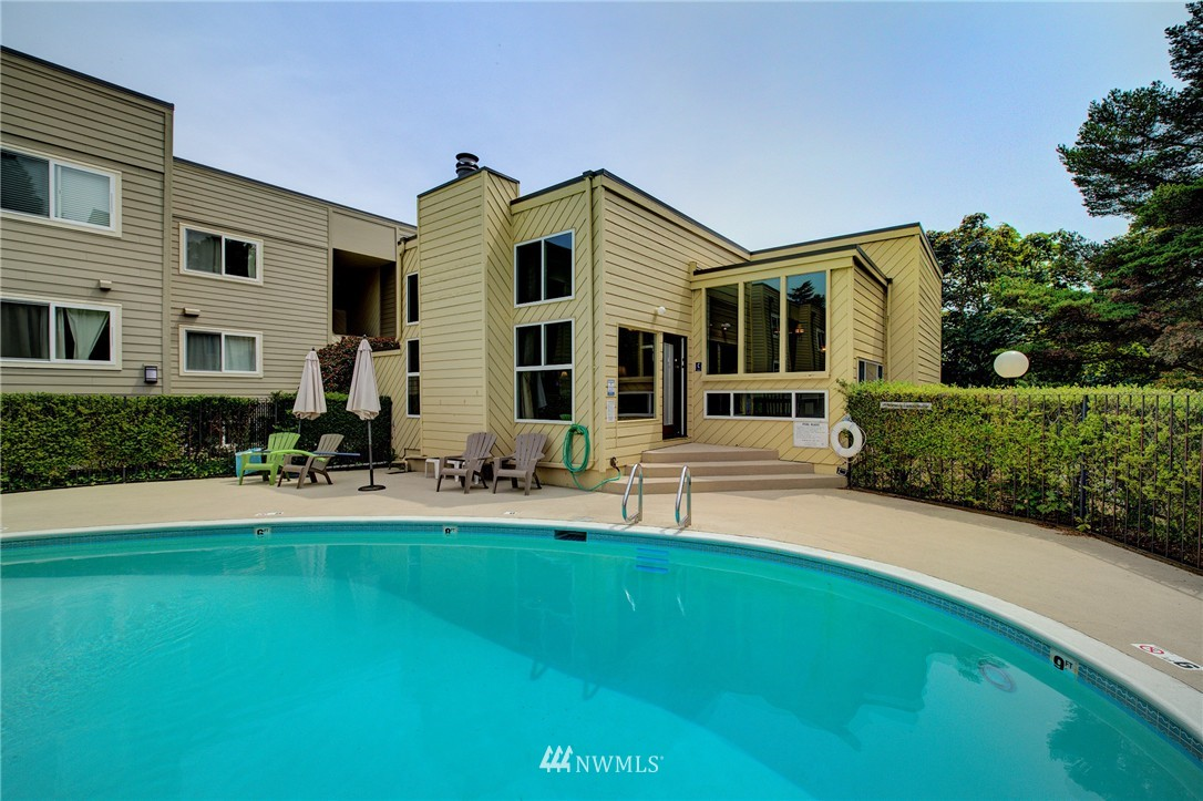 Sold Property | 5844 NE 75th Street #A102 Seattle, WA 98115 11