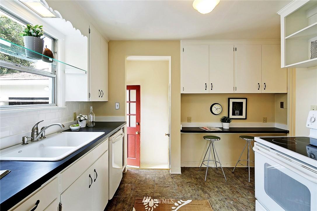 Sold Property | 6846 24th Avenue NE Seattle, WA 98115 9