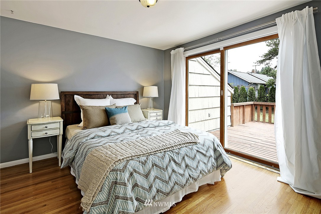 Sold Property | 6846 24th Avenue NE Seattle, WA 98115 13