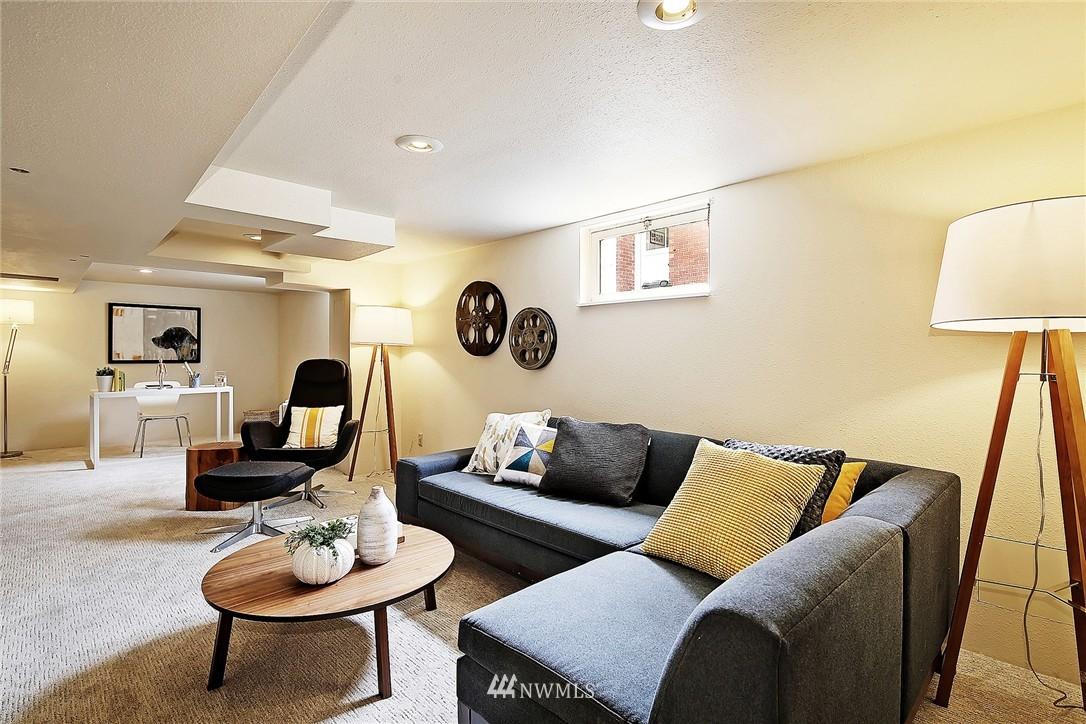 Sold Property | 6846 24th Avenue NE Seattle, WA 98115 16