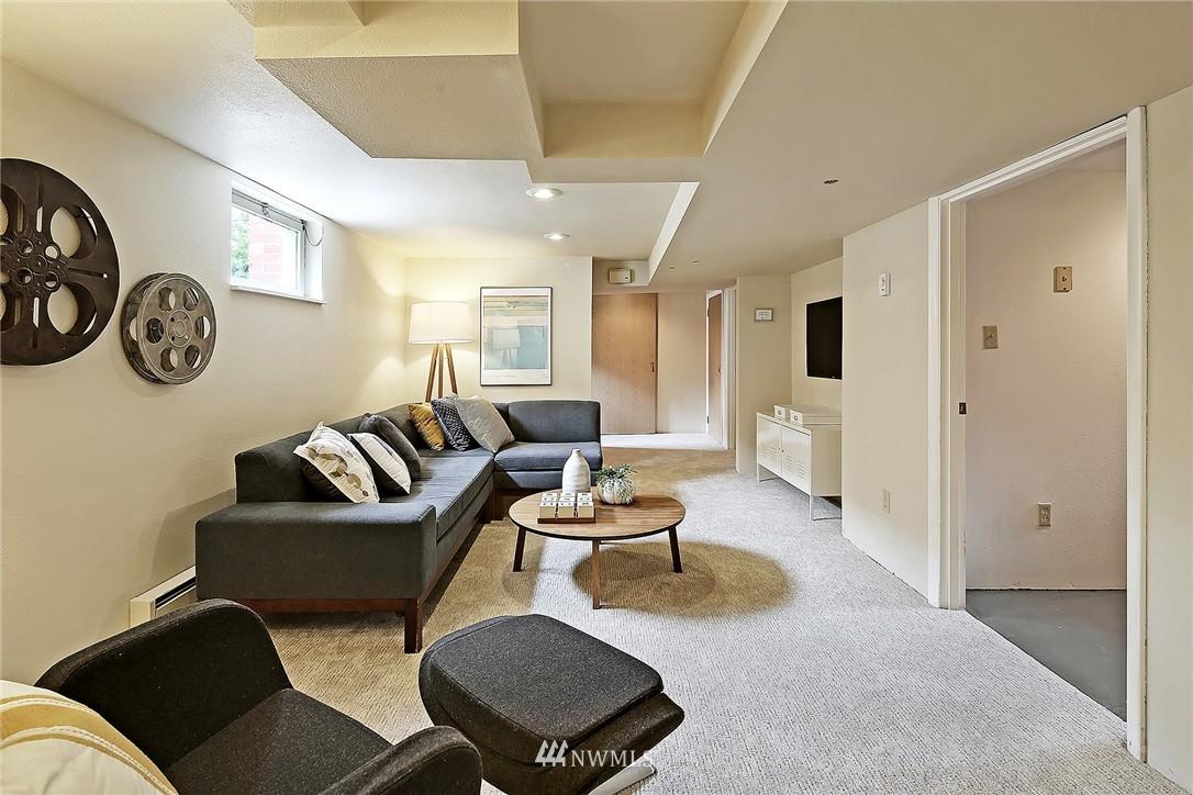 Sold Property | 6846 24th Avenue NE Seattle, WA 98115 17