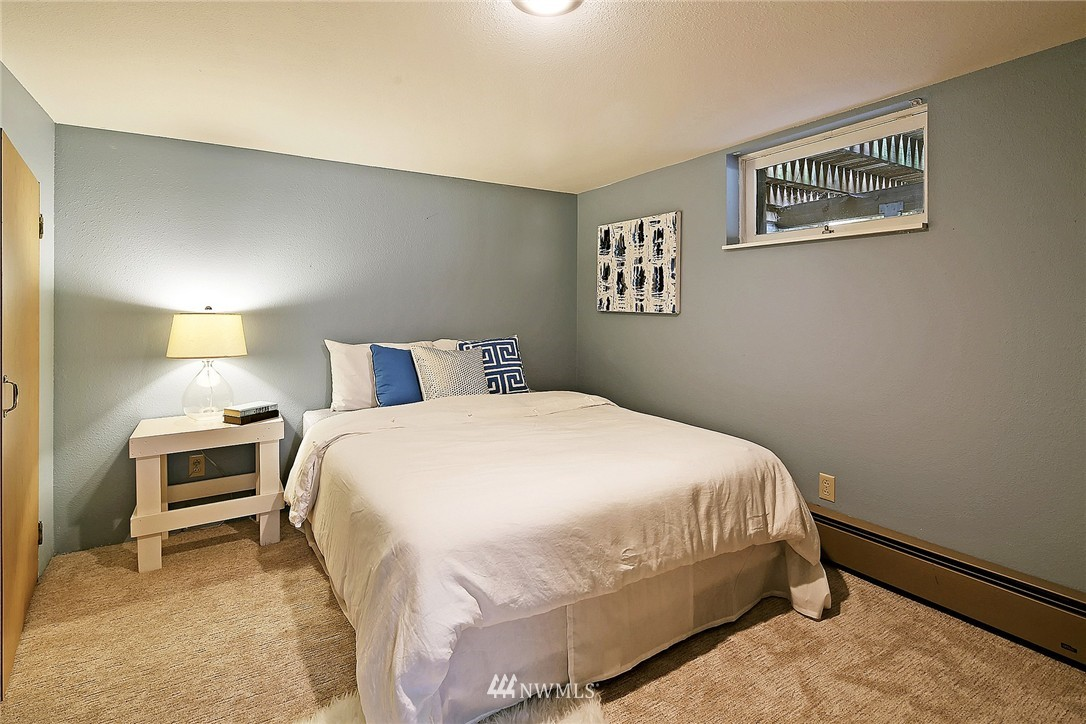 Sold Property | 6846 24th Avenue NE Seattle, WA 98115 18