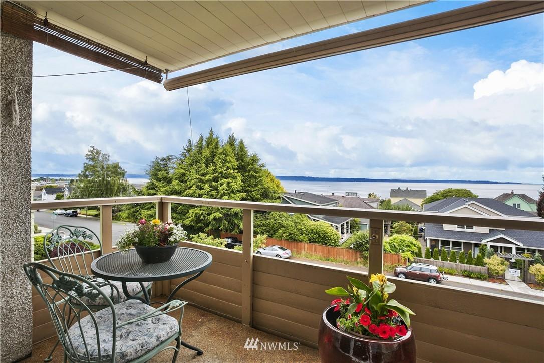 Sold Property | 300 2nd Avenue N #3E Edmonds, WA 98020 0