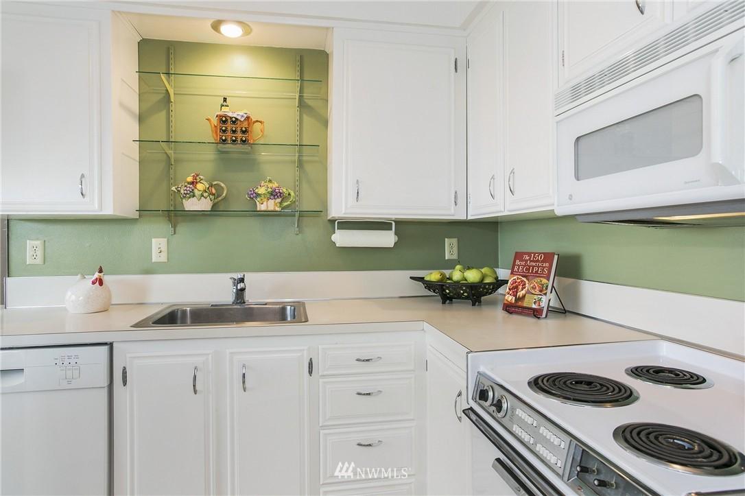 Sold Property | 300 2nd Avenue N #3E Edmonds, WA 98020 4