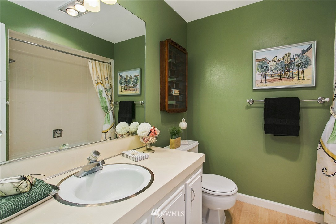 Sold Property | 300 2nd Avenue N #3E Edmonds, WA 98020 9