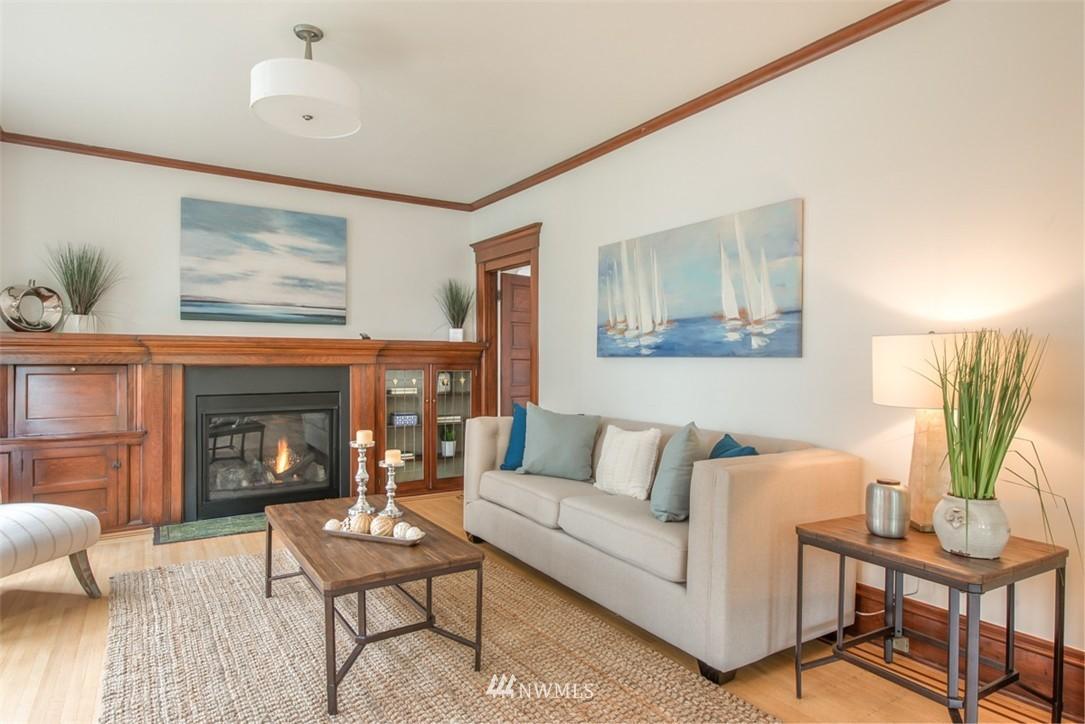 Sold Property   607 Malden Avenue E Seattle, WA 98112 3