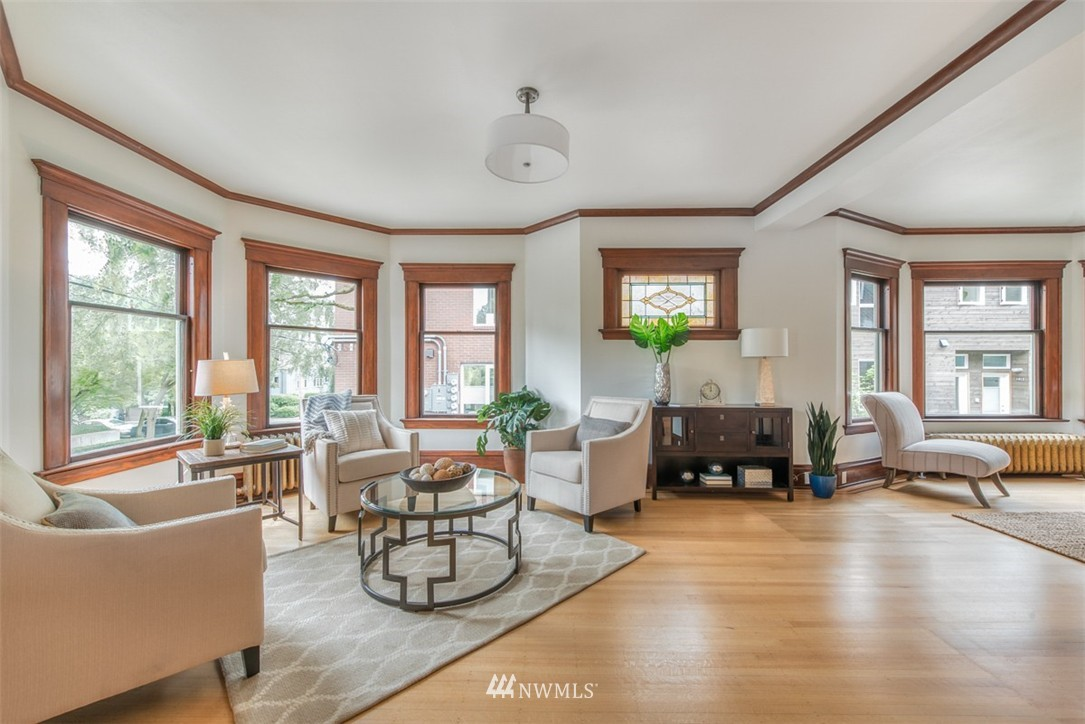Sold Property   607 Malden Avenue E Seattle, WA 98112 5