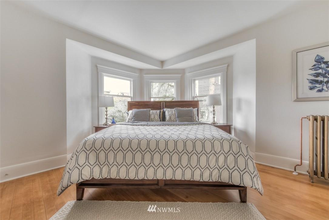 Sold Property   607 Malden Avenue E Seattle, WA 98112 11