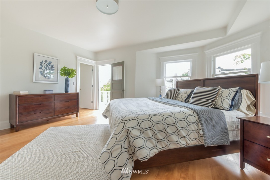 Sold Property   607 Malden Avenue E Seattle, WA 98112 13