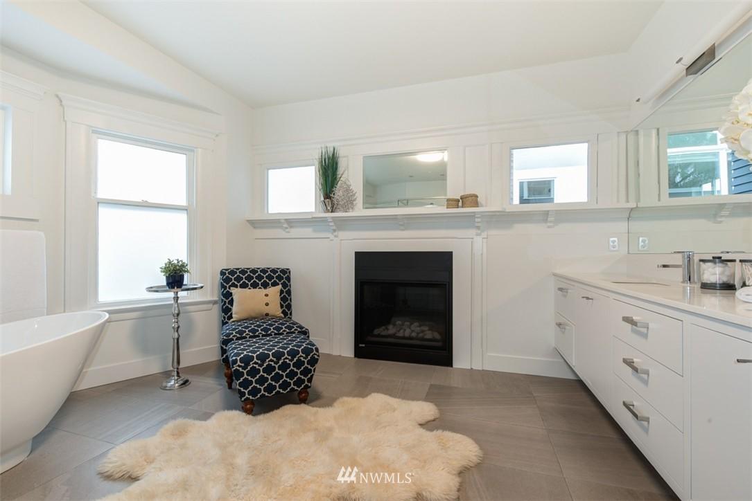 Sold Property   607 Malden Avenue E Seattle, WA 98112 14