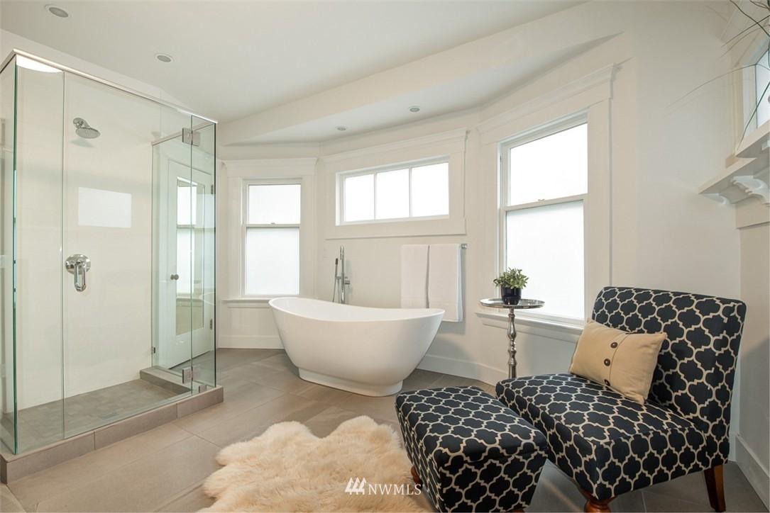 Sold Property   607 Malden Avenue E Seattle, WA 98112 15