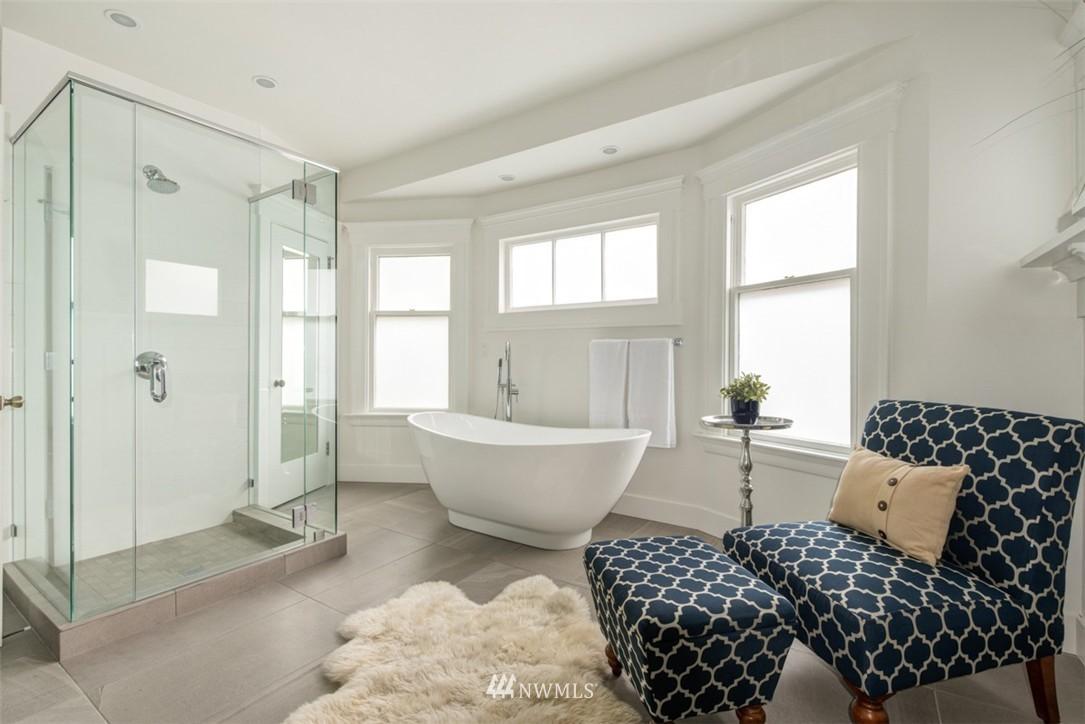 Sold Property   607 Malden Avenue E Seattle, WA 98112 19