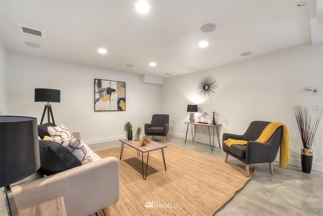 Sold Property   607 Malden Avenue E Seattle, WA 98112 23