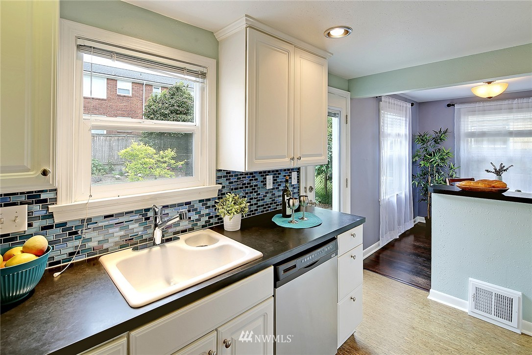 Sold Property | 7336 16th Avenue NW Seattle, WA 98117 7