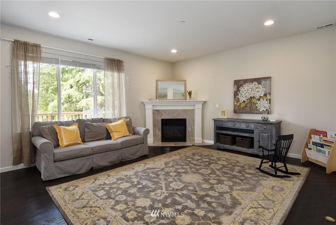 Sold Property | 7522 NE 166th Street Kenmore, WA 98028 3