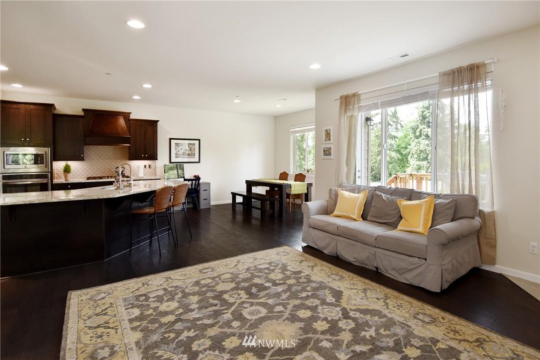 Sold Property | 7522 NE 166th Street Kenmore, WA 98028 4