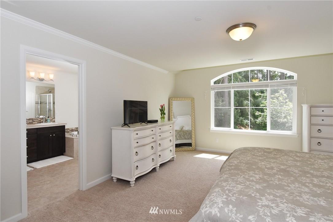 Sold Property | 7522 NE 166th Street Kenmore, WA 98028 8
