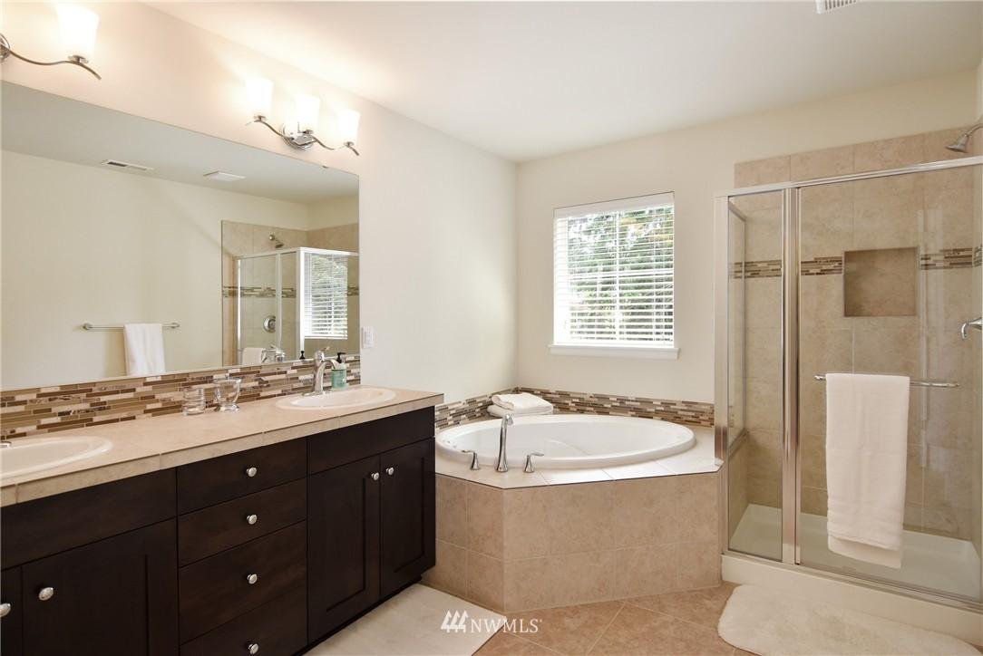 Sold Property | 7522 NE 166th Street Kenmore, WA 98028 9
