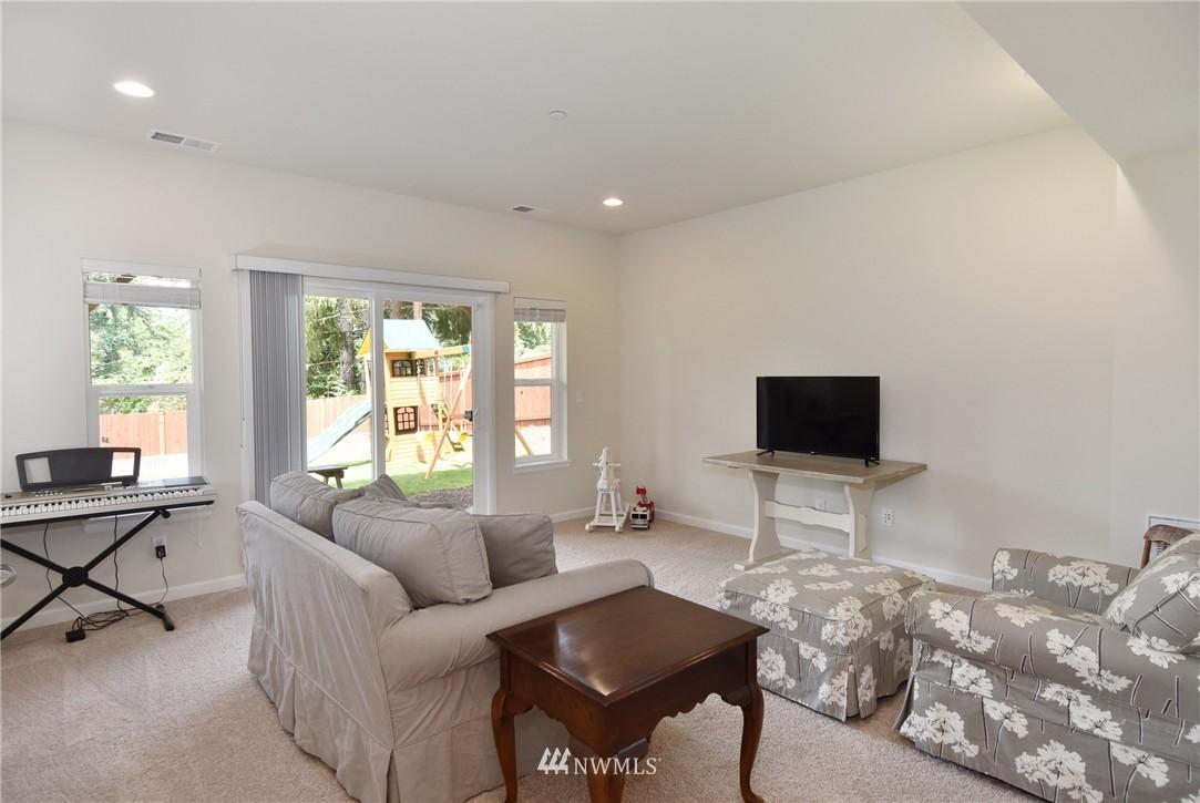 Sold Property | 7522 NE 166th Street Kenmore, WA 98028 13