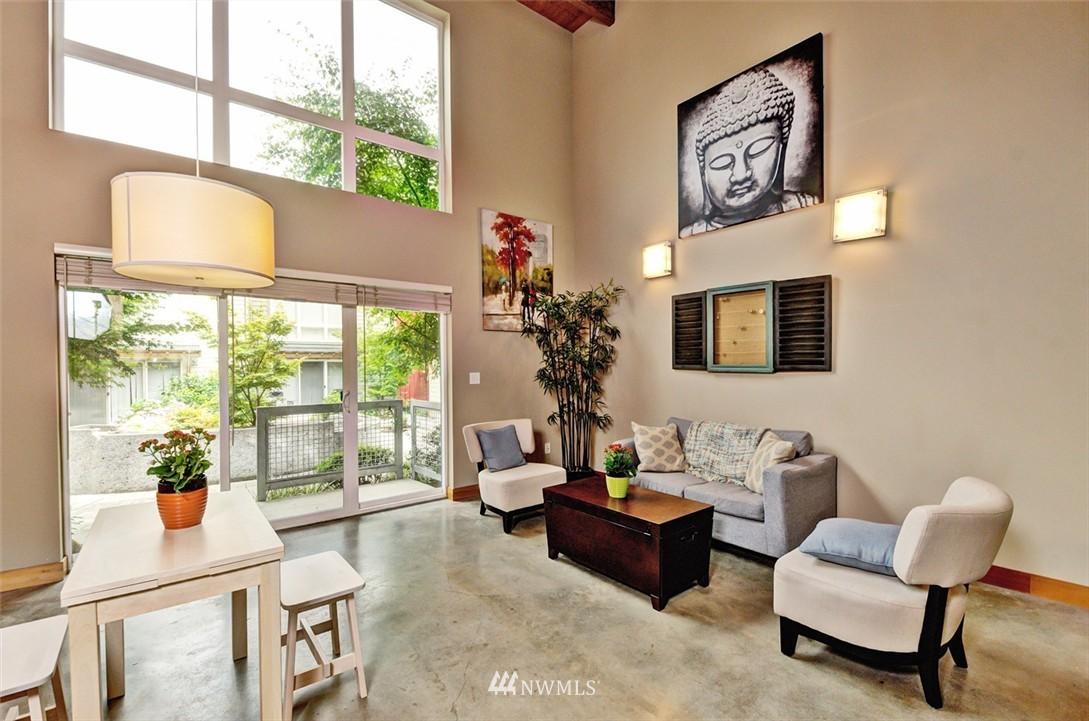 Sold Property | 1724 SW Barton Street Seattle, WA 98106 4