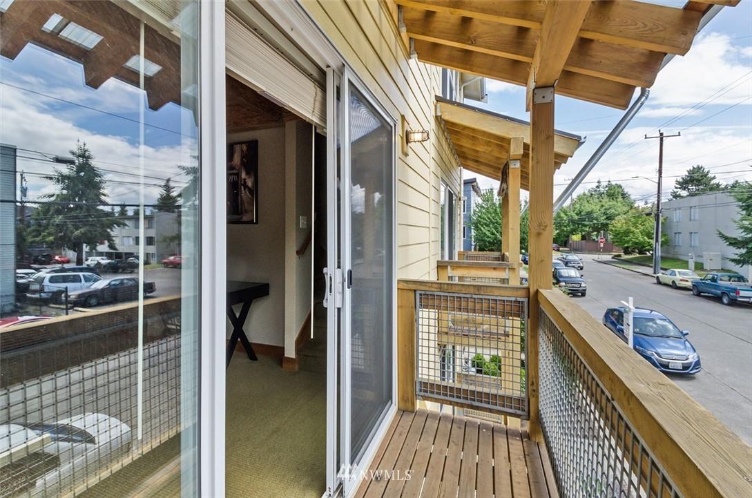 Sold Property | 1724 SW Barton Street Seattle, WA 98106 9