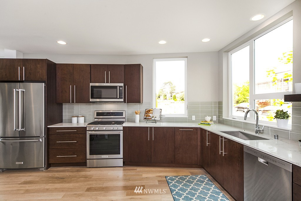 Sold Property | 4321 Woodland Park Avenue N Seattle, WA 98103 1