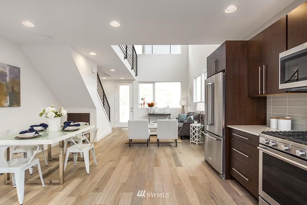 Sold Property | 4321 Woodland Park Avenue N Seattle, WA 98103 3