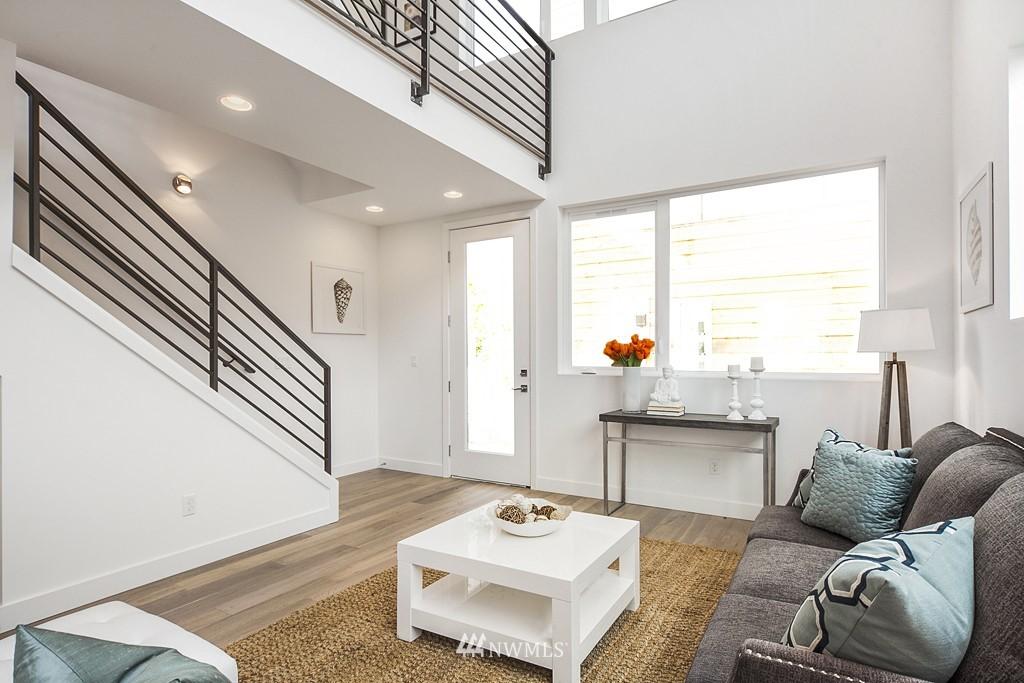 Sold Property | 4321 Woodland Park Avenue N Seattle, WA 98103 5