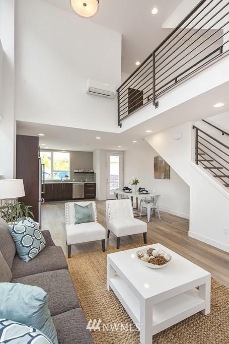 Sold Property | 4321 Woodland Park Avenue N Seattle, WA 98103 7
