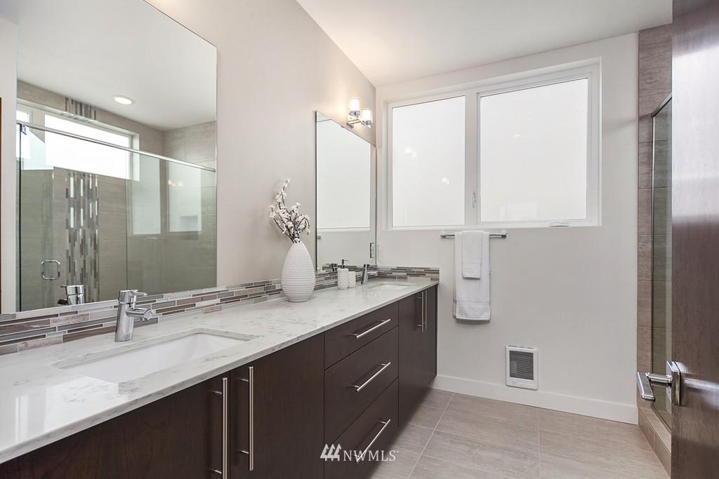 Sold Property | 4321 Woodland Park Avenue N Seattle, WA 98103 9