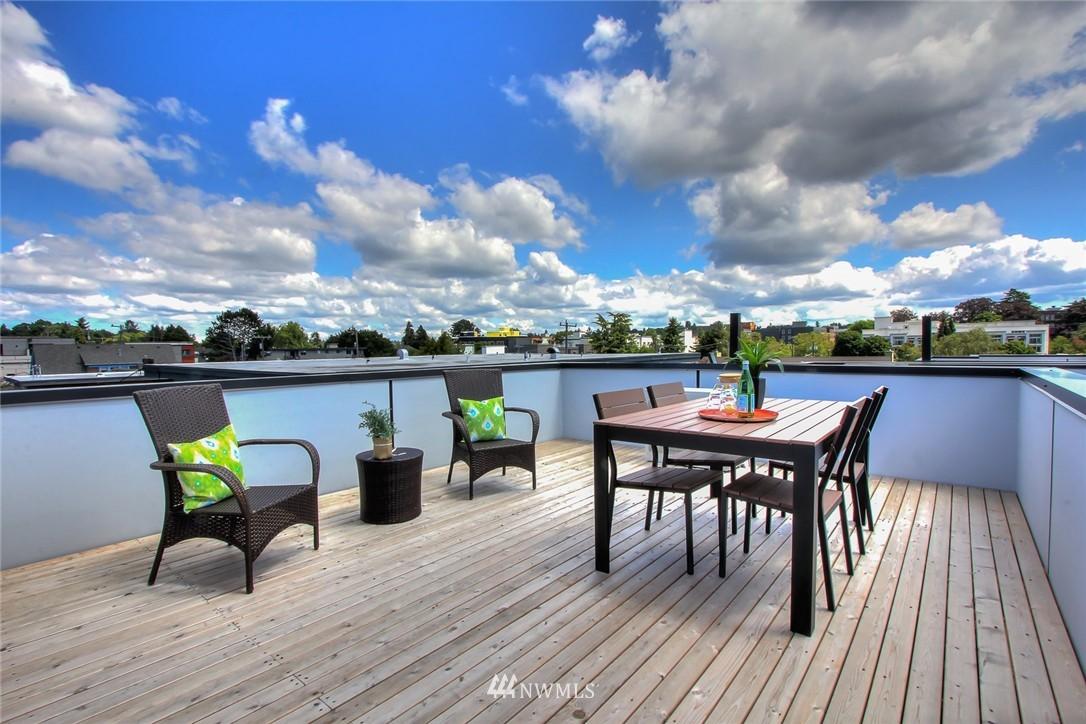 Sold Property | 4321 Woodland Park Avenue N Seattle, WA 98103 13