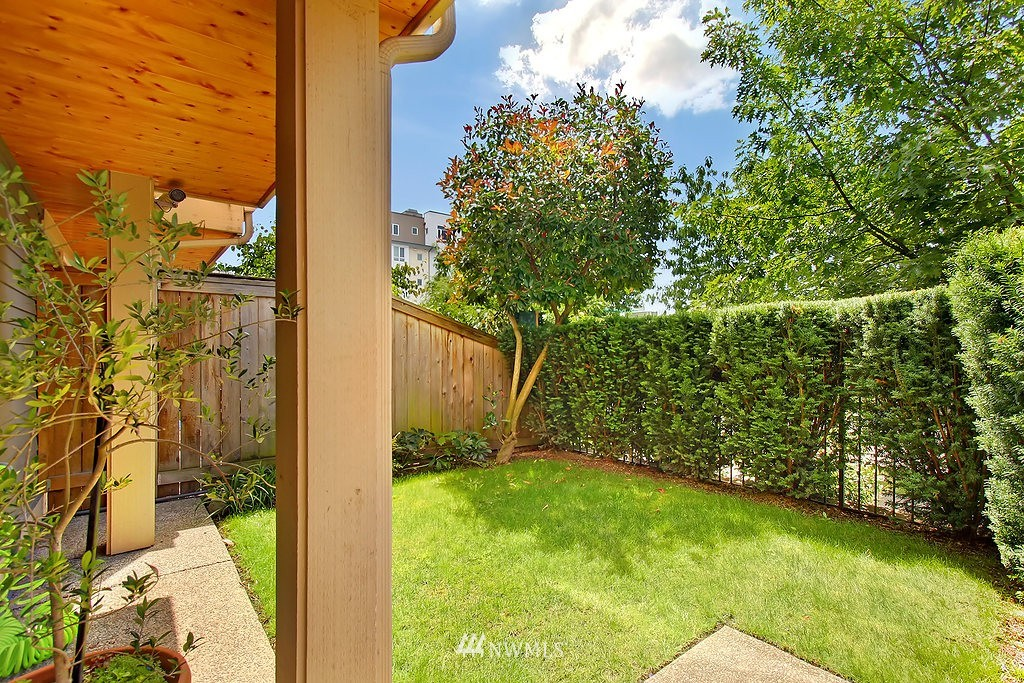 Sold Property | 5008 12th Avenue NE #C Seattle, WA 98105 1