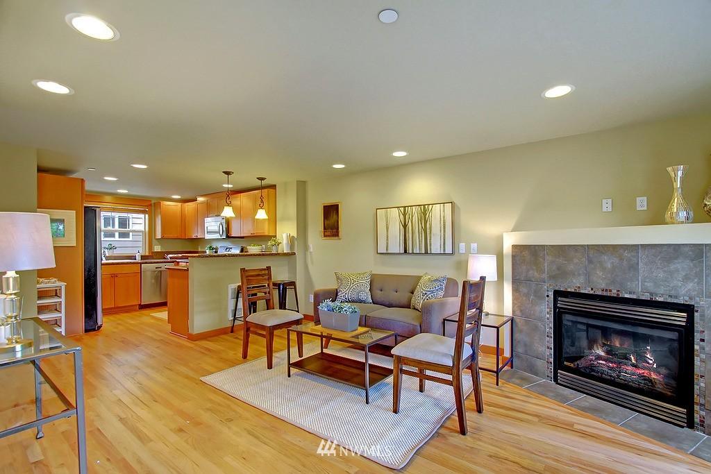 Sold Property | 5008 12th Avenue NE #C Seattle, WA 98105 4