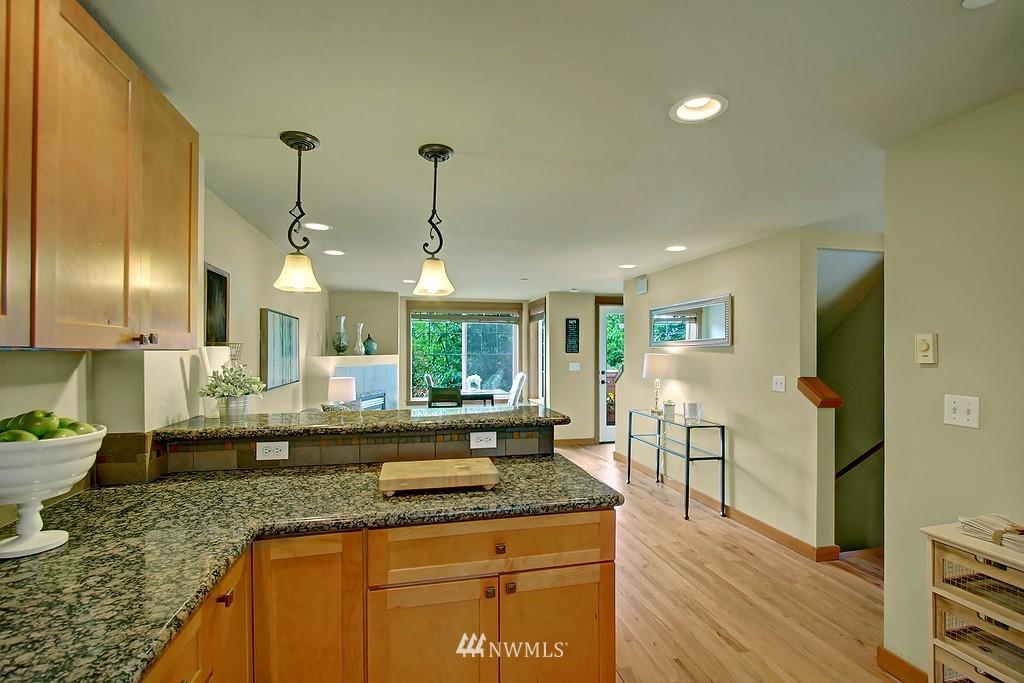 Sold Property | 5008 12th Avenue NE #C Seattle, WA 98105 6