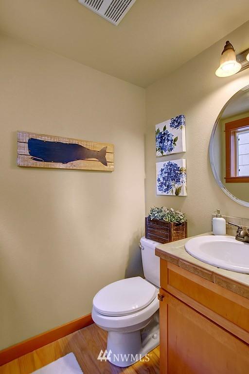 Sold Property | 5008 12th Avenue NE #C Seattle, WA 98105 9