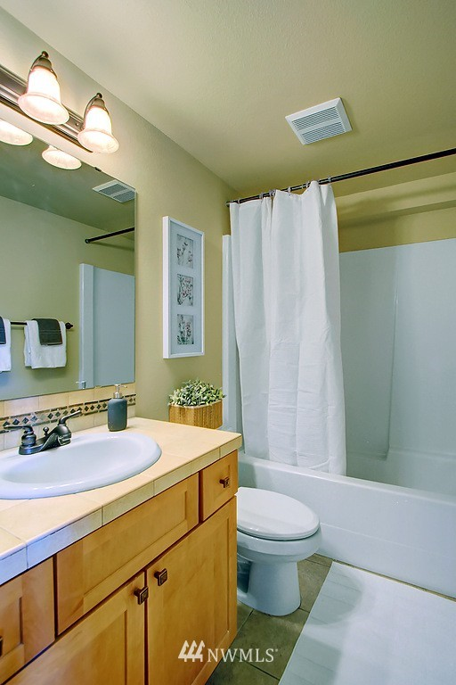 Sold Property | 5008 12th Avenue NE #C Seattle, WA 98105 12