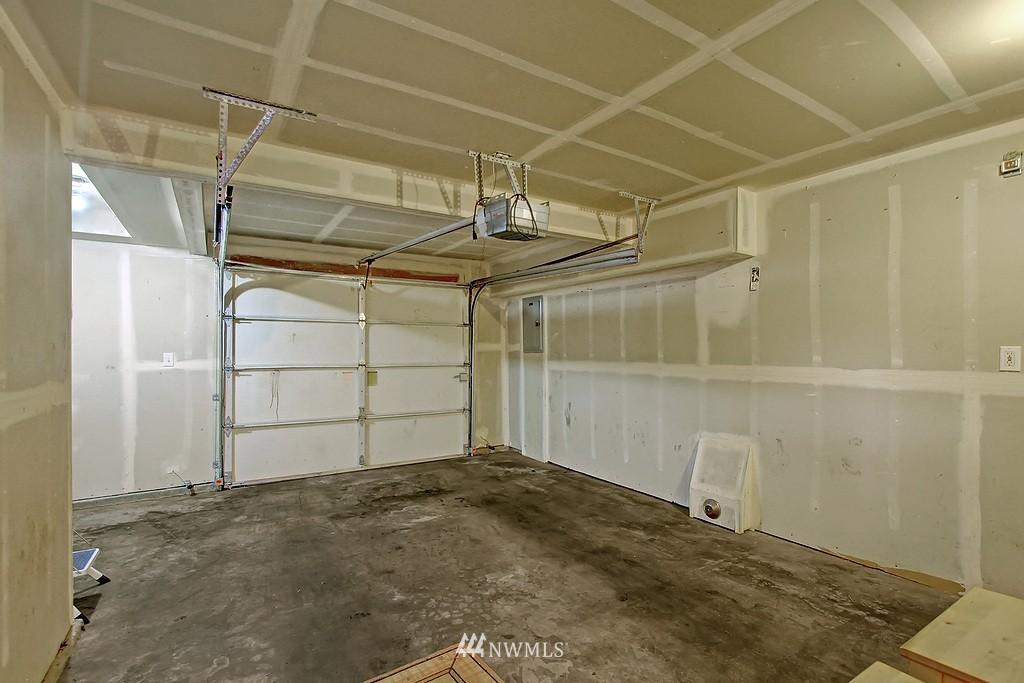 Sold Property | 5008 12th Avenue NE #C Seattle, WA 98105 17